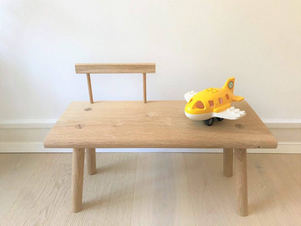 'Kiyomi' toddler bench with backrest